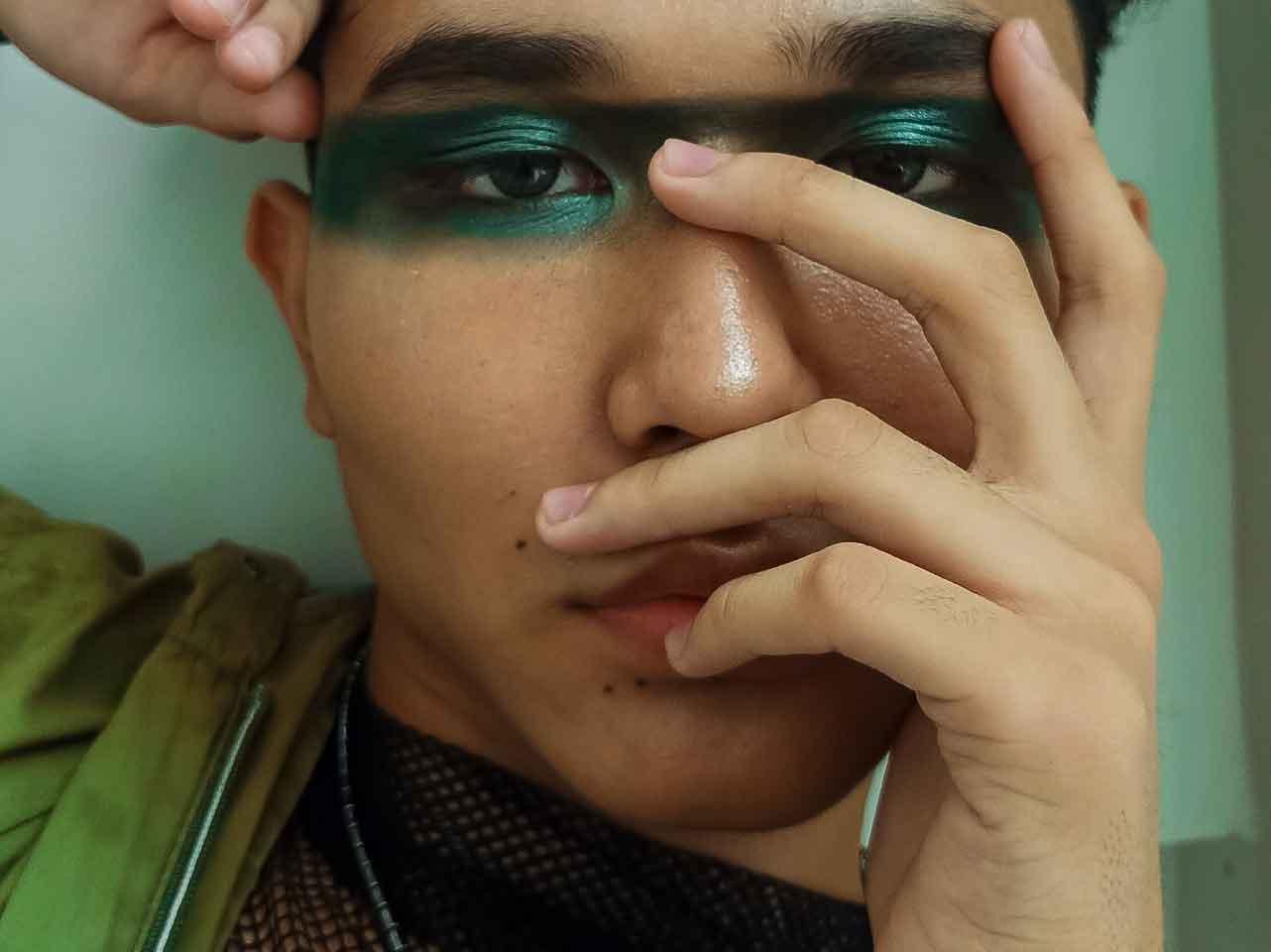 Matite occhi colorate
